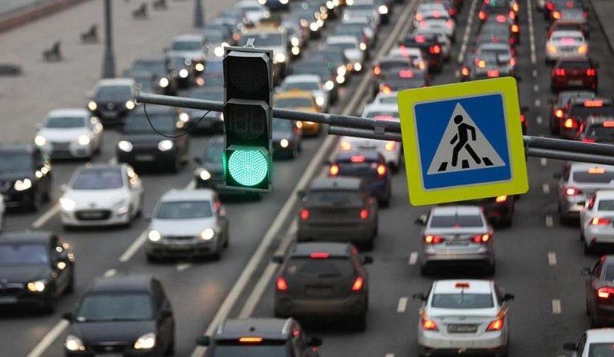 Киев сковали пробки: какая ситуация на центральных улицах и выездах из столицы
