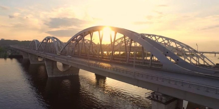 Глава «Укравтодора» заявил, что Дарницкий мост достроят доконца 2021 года