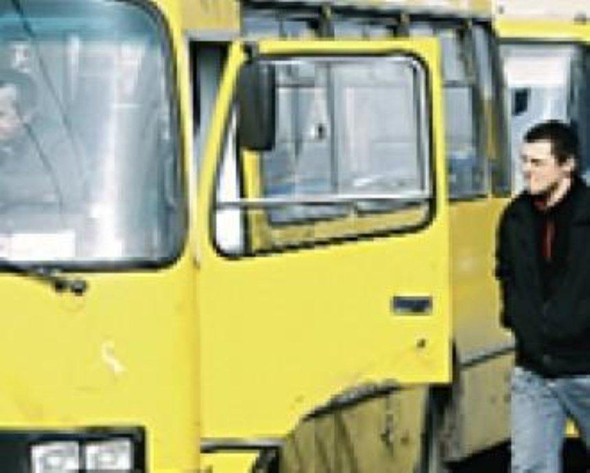 Троллейбусы, трамваи, автобусы и маршрутки столицы будут работать на час дольше в Пасхальную ночь