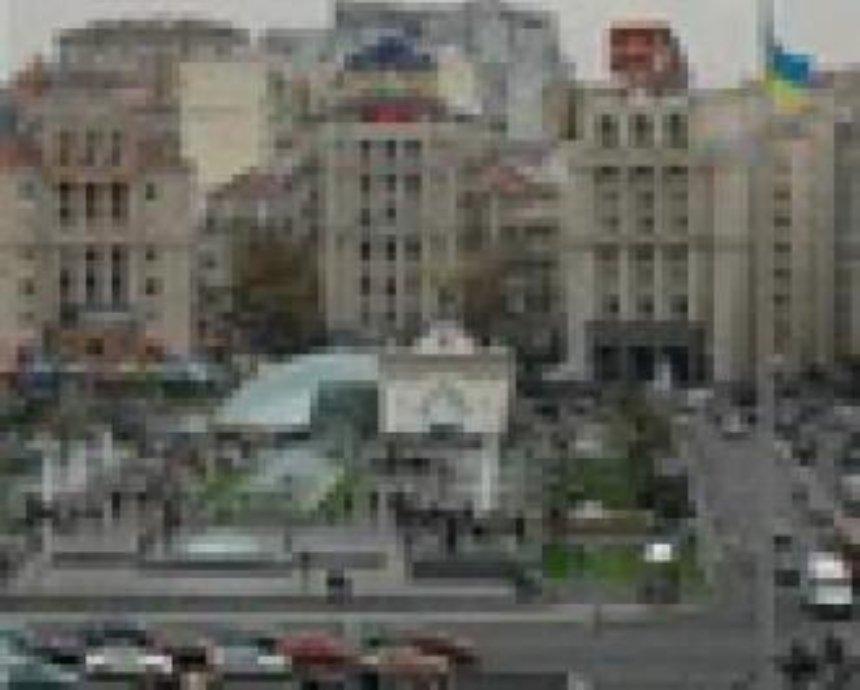 На Крещатике киевлян ежедневно в 20:30 ждет светомузыкальное шоу