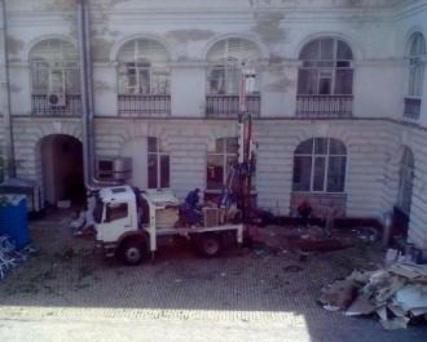 В Гостином дворе начались строительные работы. ФОТО