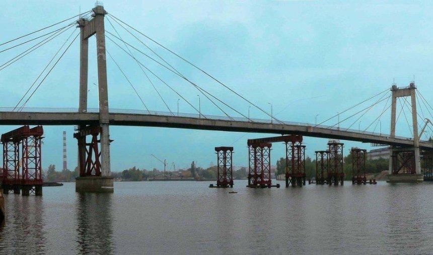 Киян кличуть на прибирання Рибальского мосту