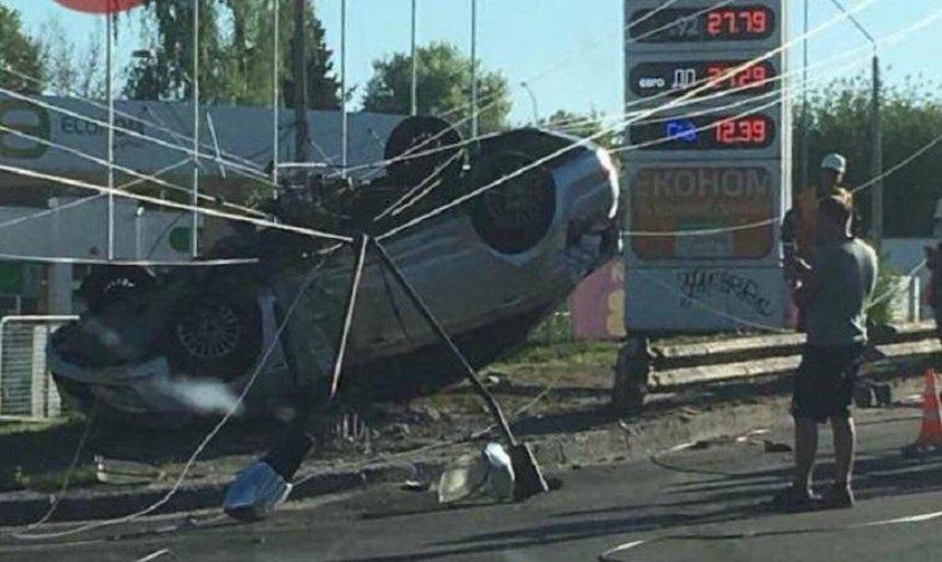 ДТП на Киевщине: машина «слетела» с моста (фото)
