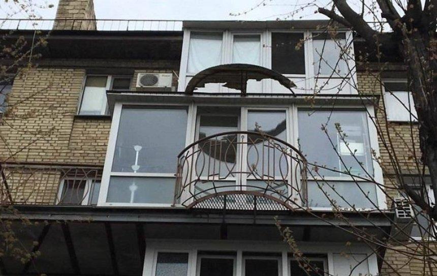 В Киеве заметили балкон с балконом (фото)