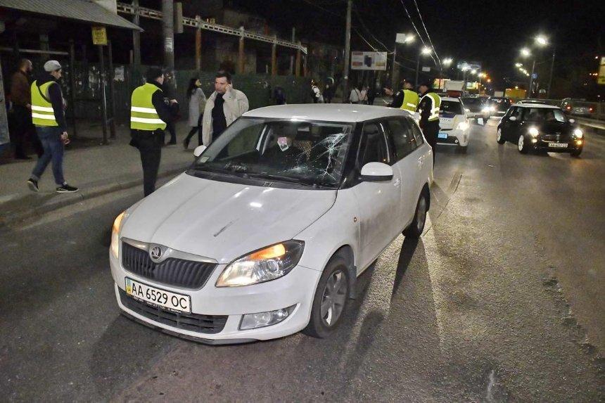 В Киеве машина сбила пешехода-нарушителя (фото)