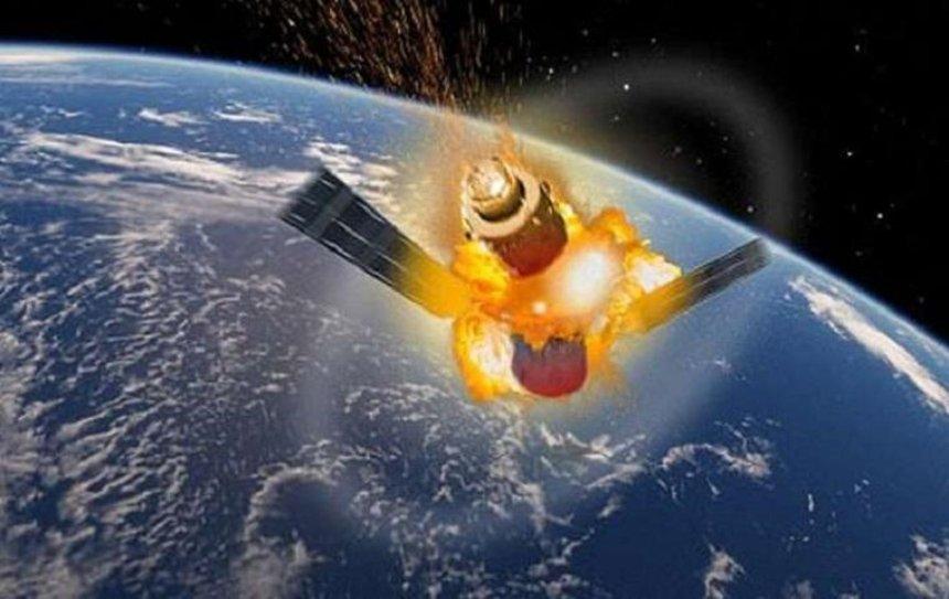 На Землю падает неуправляемый китайский спутник