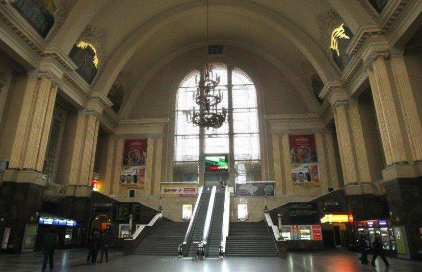 На Центральном вокзале Киева снова не работает эскалатор