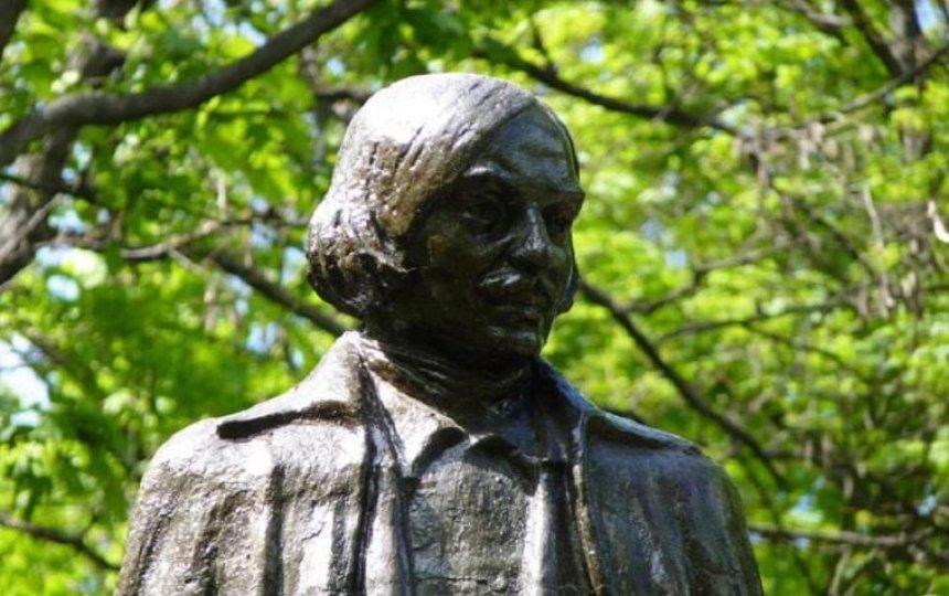 Устолиці може з'явитися пам'ятник відомому письменнику