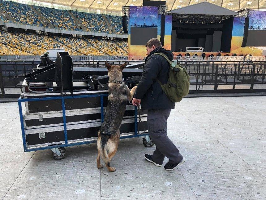 Дебаты: на «Олимпийском»: что сейчас происходит на стадионе и возле него