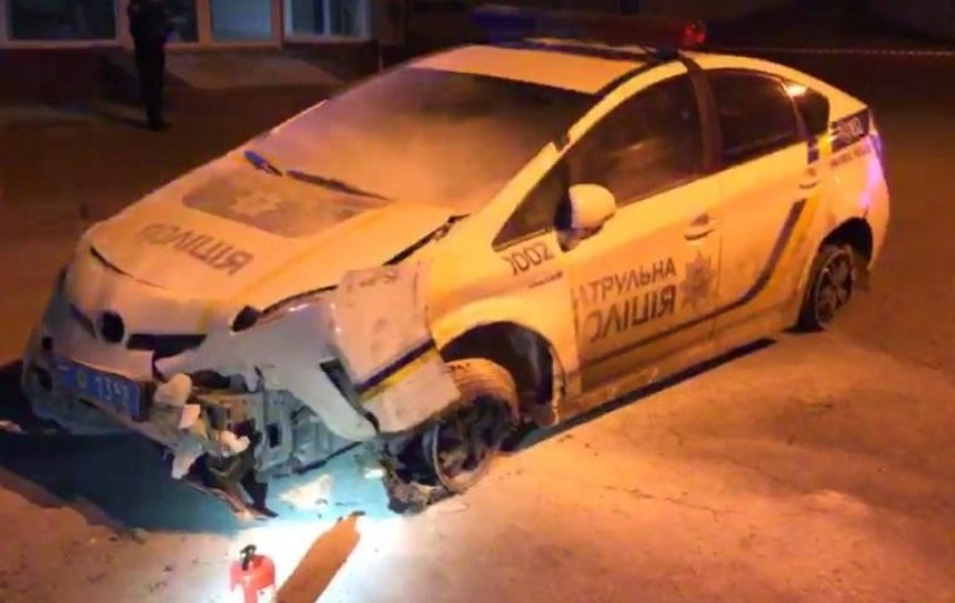 На Майдане у полиции угнали автомобиль (видео)(обновлено)