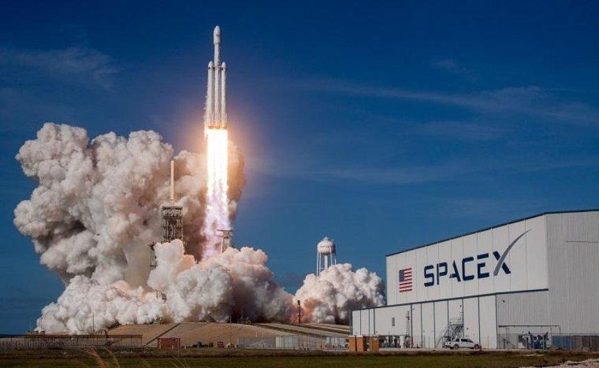 Где смотреть трансляцию первого коммерческого запуска Falcon Heavy от SpaceX (трансляция)