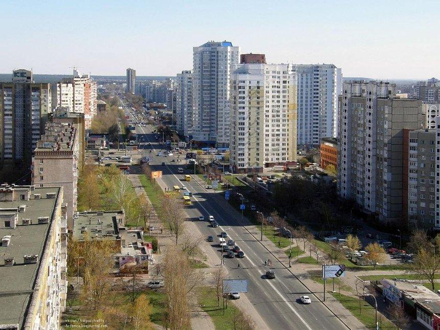 Майже на місяць комунальники частково перекриють Харьківське шосе