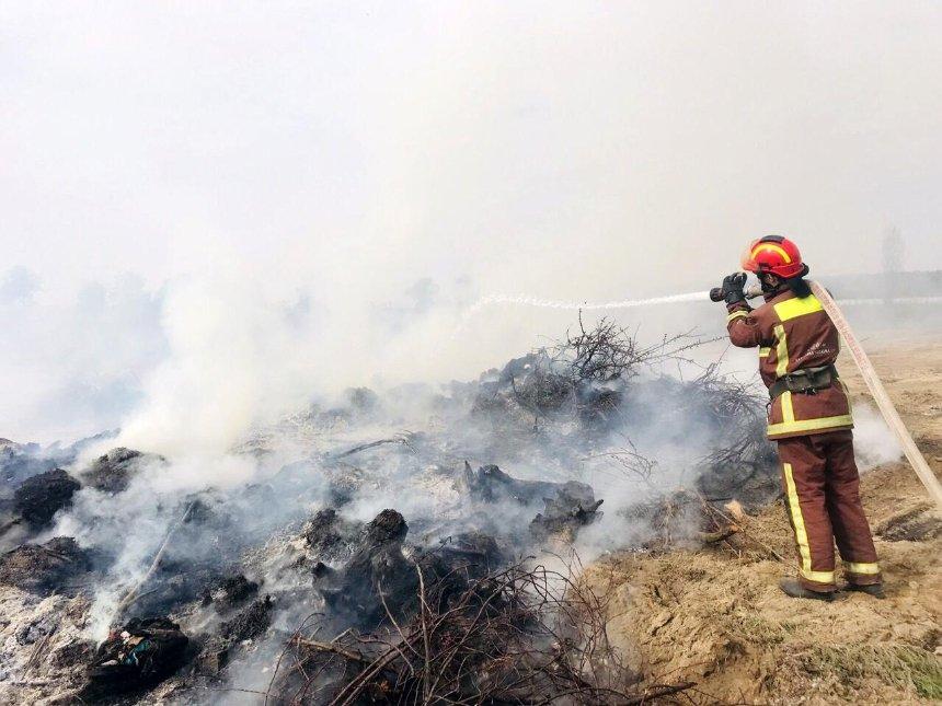 Под Киевом горят свалки (фото, видео)