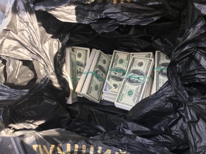 На хабарі 500 тисяч доларів для генпрокурора попався шахрай