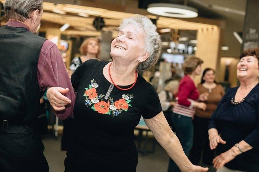Киевлян возрастом 50+ приглашают на бесплатные курсы и танцы