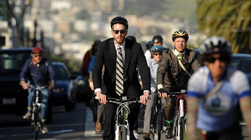 Киевлянам предлагают поехать на работу на велосипедах