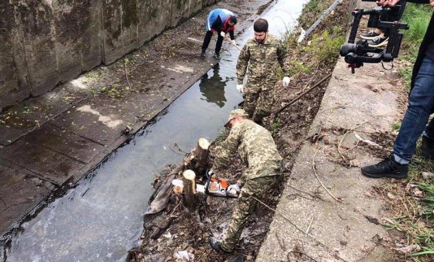Русло реки Лыбедь привели в порядок (фото)
