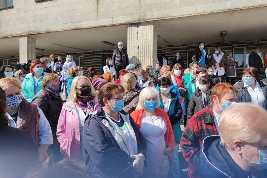 Медики киевской психбольницы вышли на протест из-за сокращений