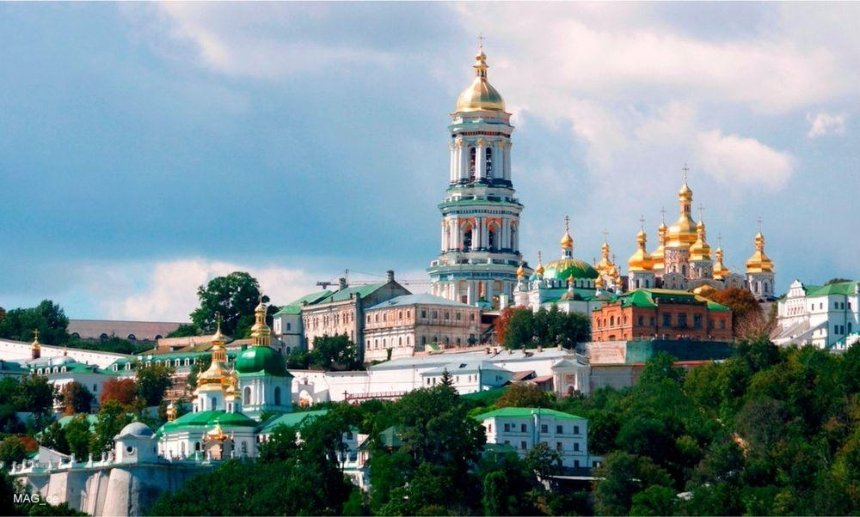 Зеленского просят отобрать Лавру у УПЦ МП: петиция набрала нужные голоса