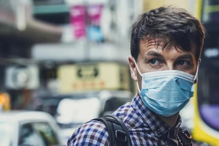 Главное за 17 апреля: загрязненный воздух, Пасха на карантине и пожар в ресторане на Позняках