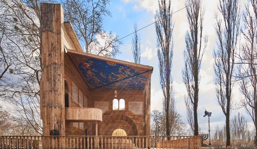ВБабьем Яре построили синагогу ввиде книги-панорамы