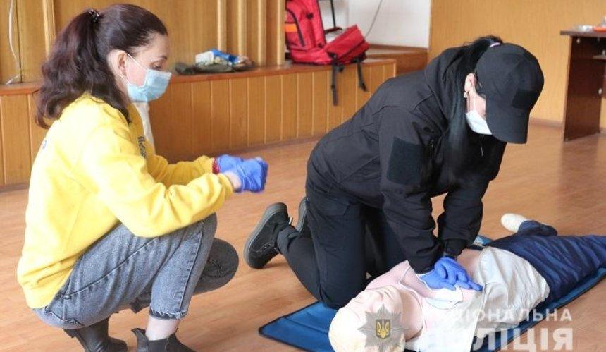 Полицейские столичной подземки прошли курс первой домедицинской помощи