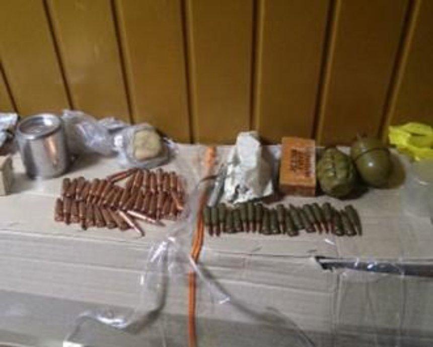 На киевском вокзале задержали пассажиров с сумкой боеприпасов