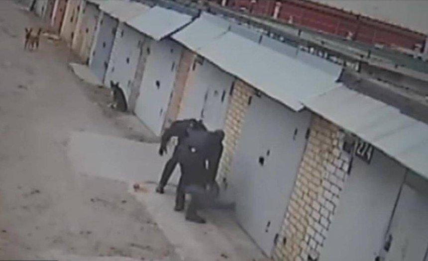Киевским полицейским грозит тюрьма за избиение прохожего