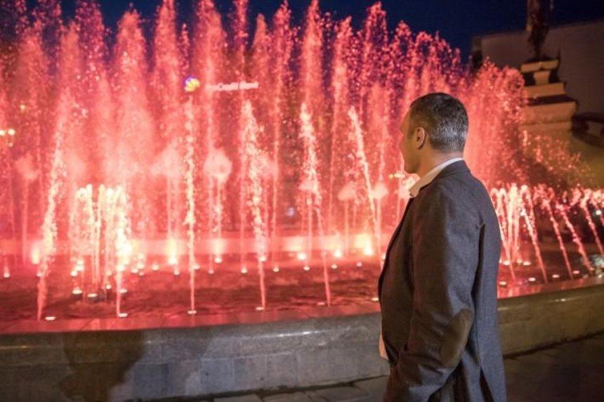 Віталій Кличко відкрив світломузичний фонтан на Майдані Незалежності