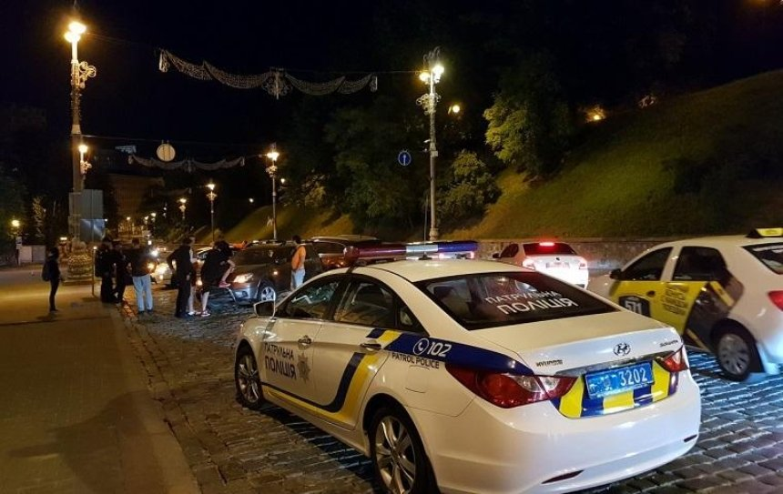 Пьяный водитель разбил на Грушевского три автомобиля (фото)