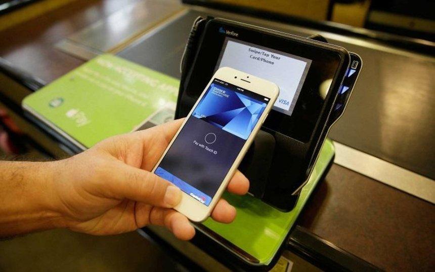 В Україні запрацював сервіс платежів Apple Pay