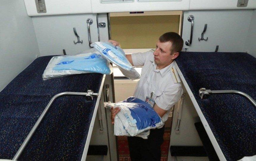 В «Укрзализныце» жалуются на огромные убытки из-за воровства белья