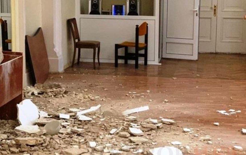 В Доме учителя во время урока танцев обвалился потолок
