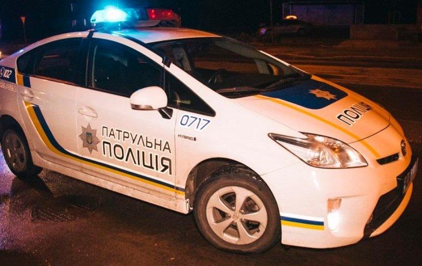В Деснянском районе со стрельбой задержали квартирных воров