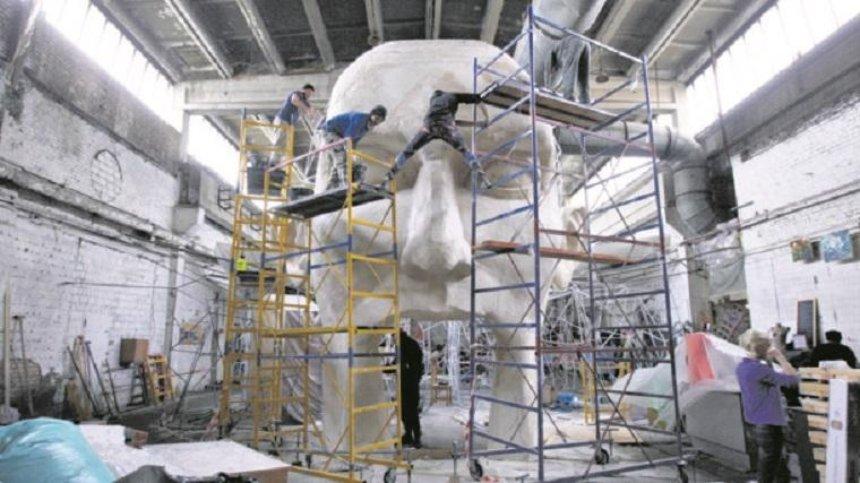 В Подольском районе появится арт-дворец с огромной головой
