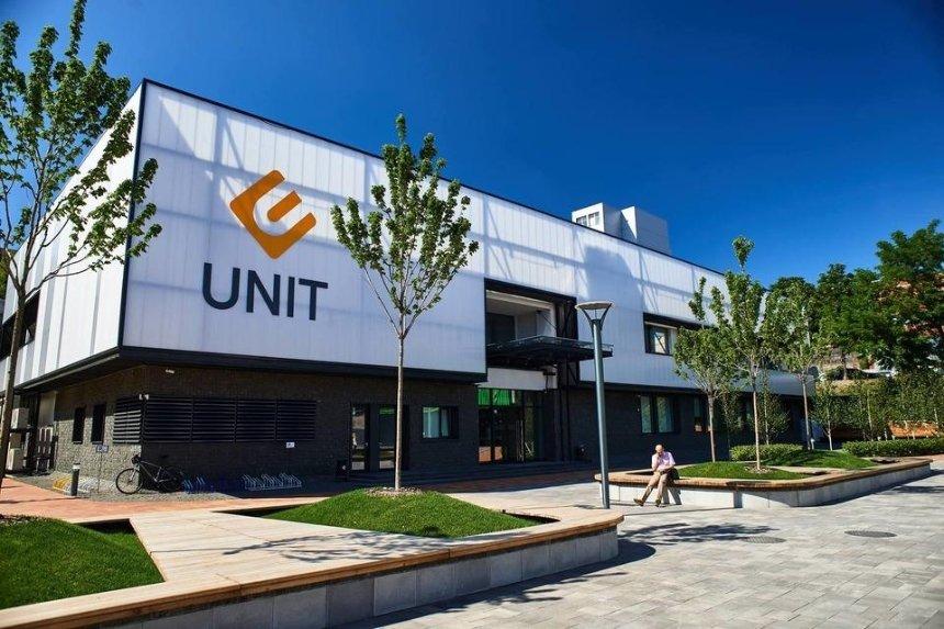В Киеве закрывают бесплатную IT-школу UNIT Factory
