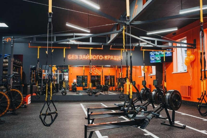 На «Лукьяновской» открывается новая студия фитнеса для занятых hiitworks
