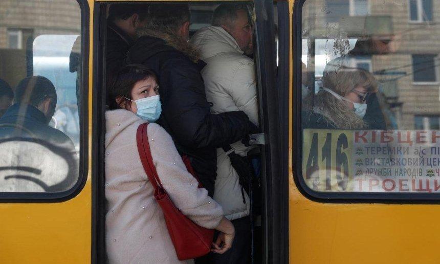 Больше маршрутов и ограничения: как будет работать киевский транспорт после 11 мая