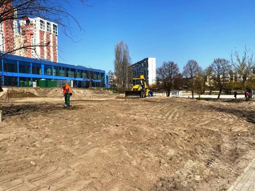 Возле озера Тельбин обустраивают парк