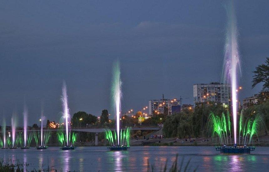 В День Киева запустят светомузыкальный фонтан на Русановке (расписание)