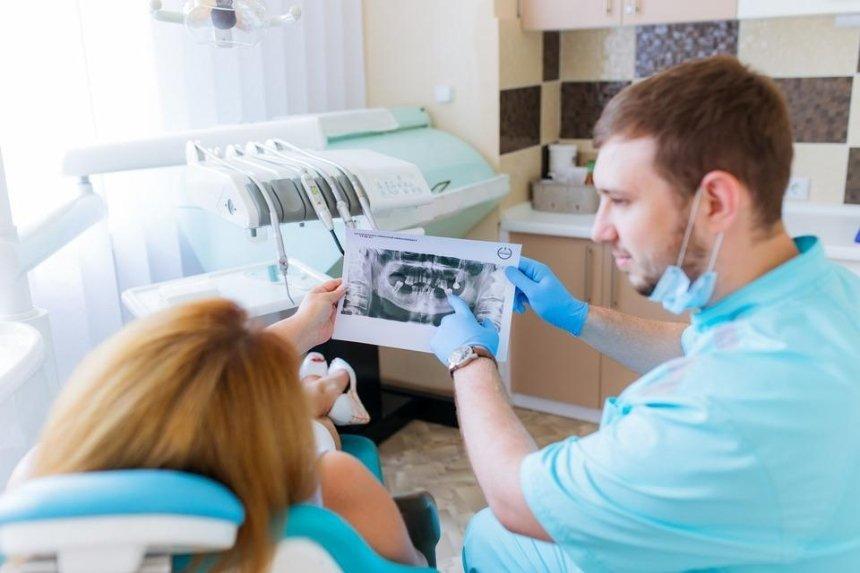 Прием по записи и контроль на входе: КГГА опубликовала требования к работе стоматологий