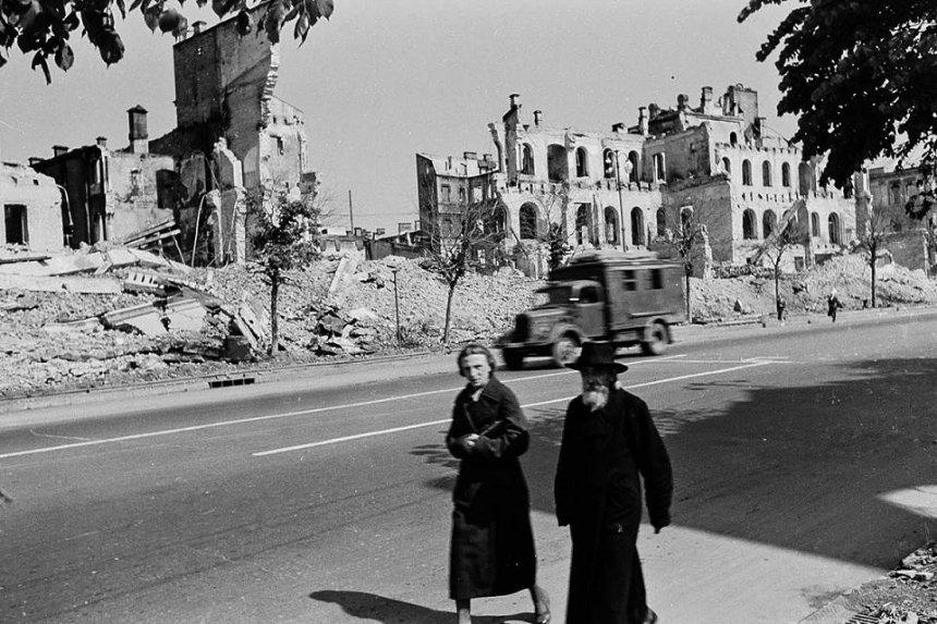 Які будівлі були знищені в Києві під час Другої світової війни
