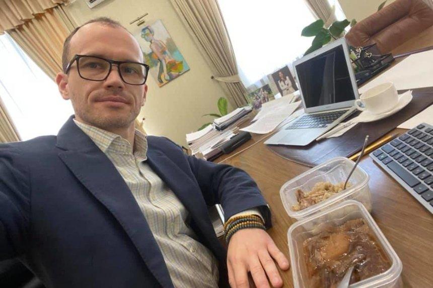 «Борщ не очень»: министр юстиции попробовал еду из Лукьяновского СИЗО
