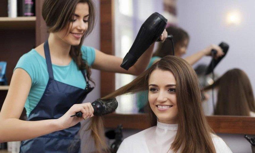 В КГГА рассказали, как будут работать парикмахерские и салоны красоты во время смягчения карантина