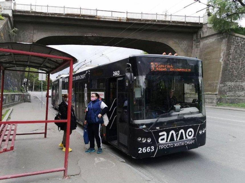 Как работает наземный общественный транспорт на втором этапе ослабления карантина