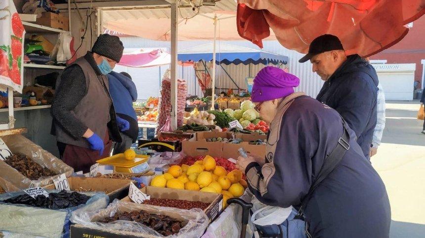 В Киеве работают уже 13 продуктовых рынков: список