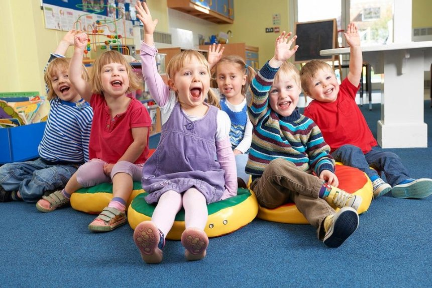 Без мягких игрушек и ковров: как будут работать детсады во время карантина