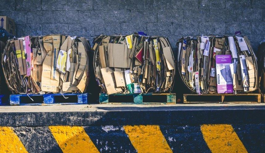 В Киеве заработала сортировочная станция: куда и когда приносить отходы