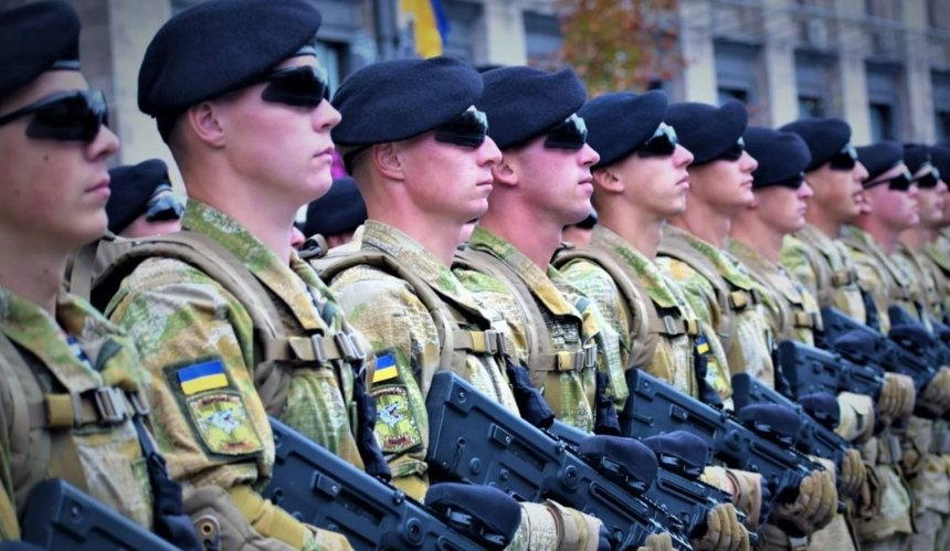 В Украине предлагают увеличь сроки военной службы по контракту