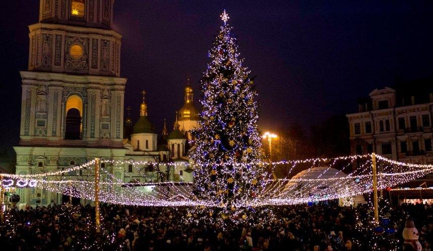 Камери в іграшках і гігантська ялинка: як Київ святкуватиме Новий рік